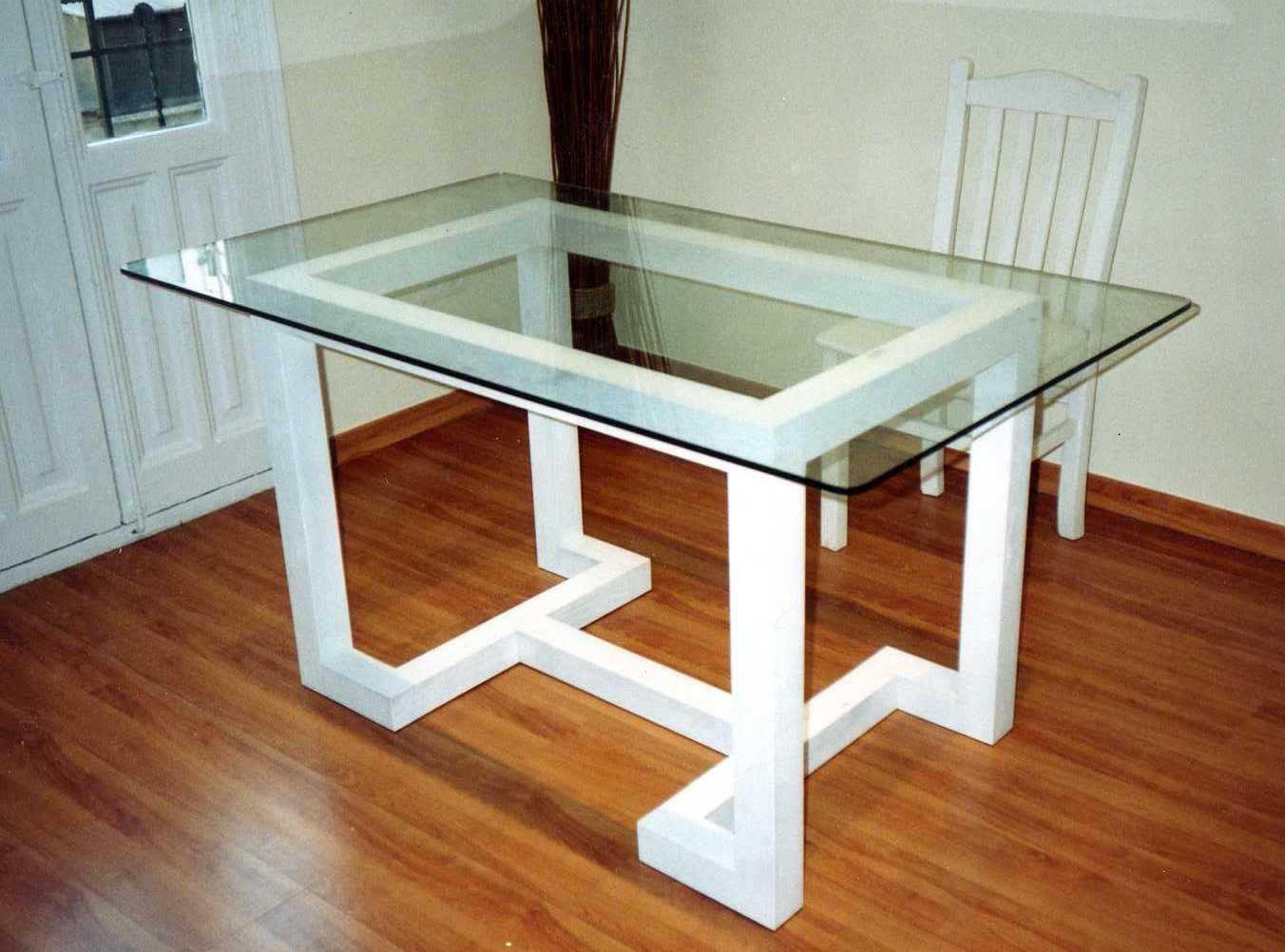 Muebles Monseco. Ebanistería A Medida. Mesas de Comedor y de Centro